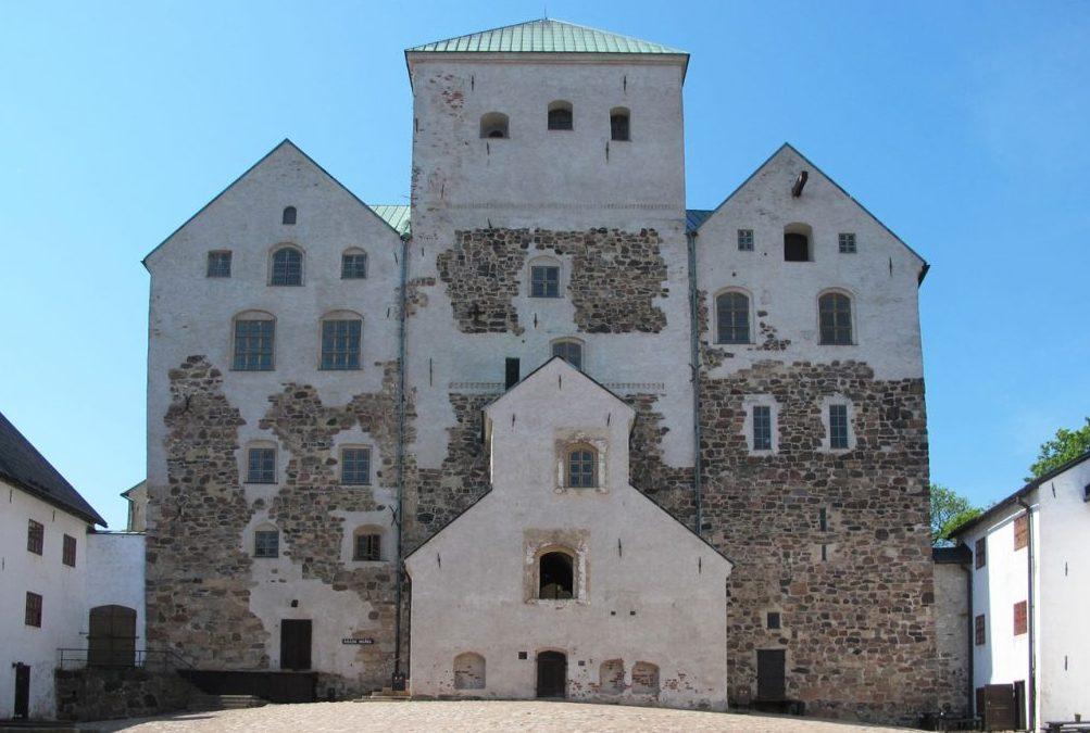 Mikrobit myllertävät Turun linnan putkistossa (Turun Sanomat 8.8.2017)